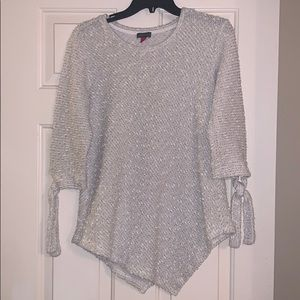 Vince Camuto sweater size M